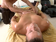 Metrosexual gleam gets his cock sucked hard by gay masseur
