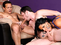 Sexy Diva Can't Live Without Fro Watch Her Stud Getting A Sexy BJ Wean away from A Fellow